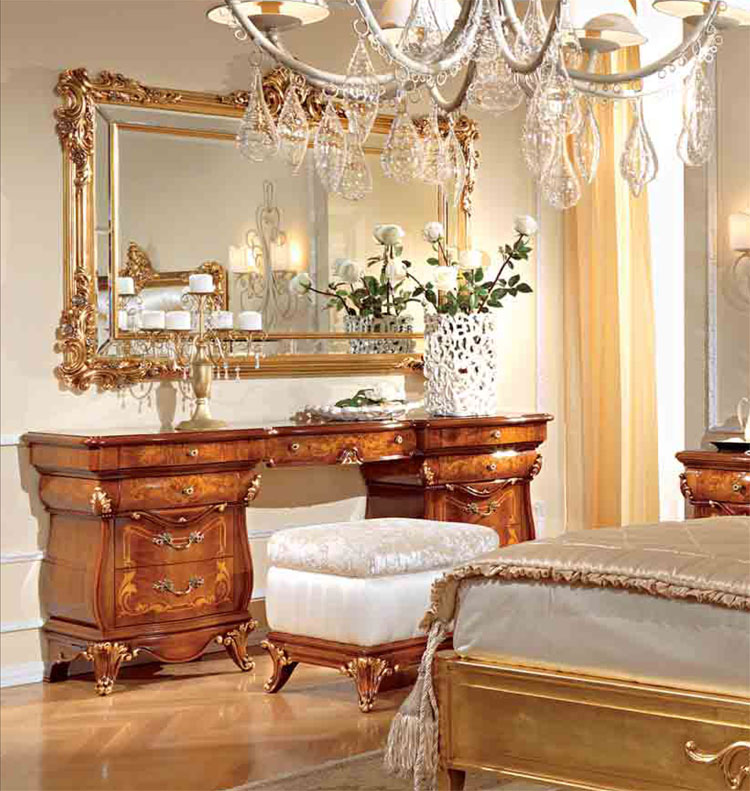 luxus spiegel blattgold nussbaumrahme furnier klassische. Black Bedroom Furniture Sets. Home Design Ideas