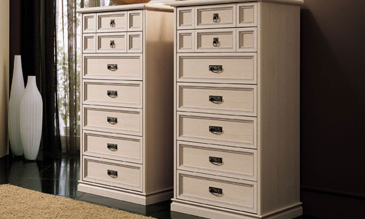 kleiderschrank 4tr esche furnier klassische stilmoebel aus italien zeitlos. Black Bedroom Furniture Sets. Home Design Ideas