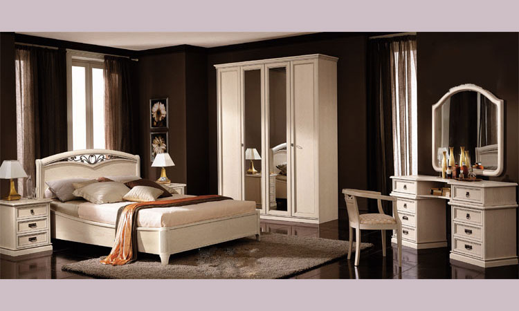 kleiderschrank 4tr esche furnier klassische stilmoebel. Black Bedroom Furniture Sets. Home Design Ideas