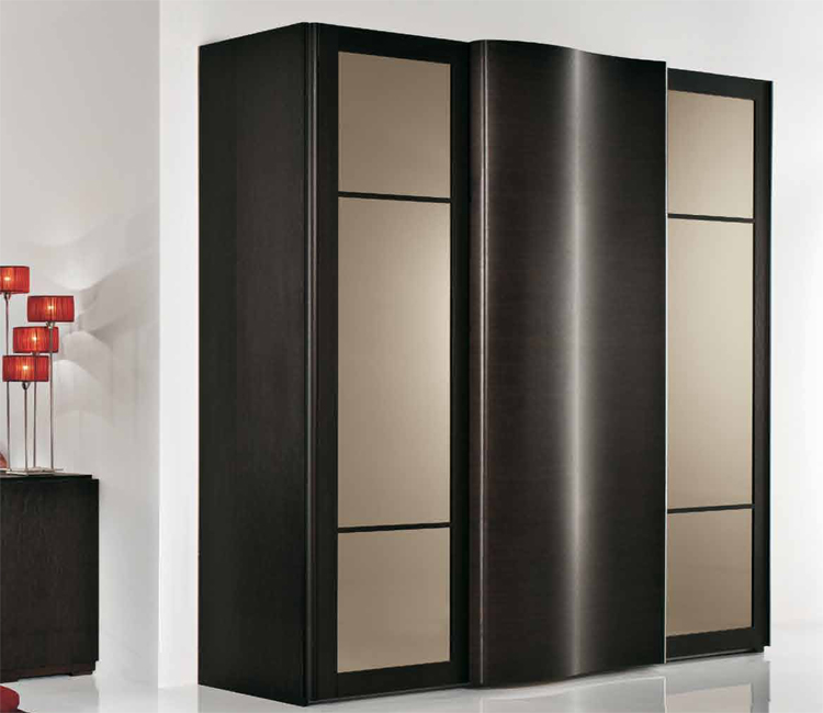 exklusive modern kleiderschrank italien design braun wenge designerm bel. Black Bedroom Furniture Sets. Home Design Ideas